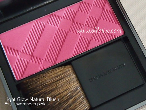 BURBERRY Light Glow Natural Blush 10 hydrangea pink - 1